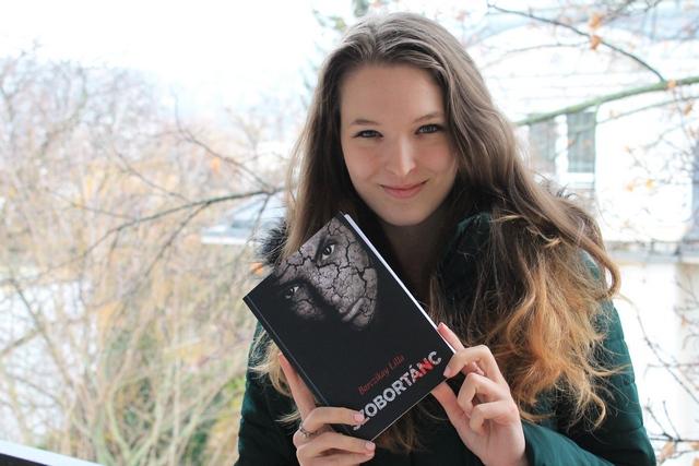 Barczikay Lilla írónő